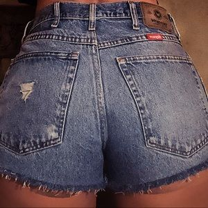 Vintage Wrangler high waist cut off jean shorts